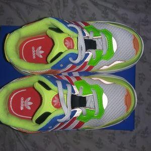 Adidas Yung Toddler sneakers 🔥 size 10 NIB